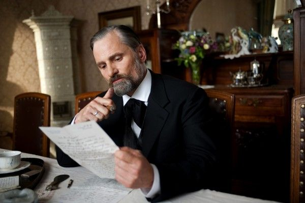 a-dangerous-method-movie-image-viggo-mortensen-02