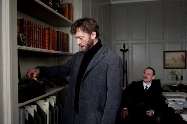 a-dangerous-method-movie-image-vincent-cassel-michael-fassbender-01