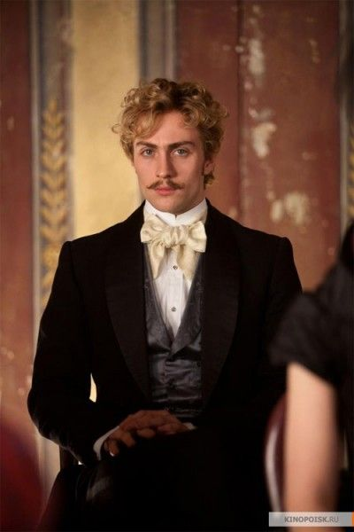 aaron-johnson-anna-karenina