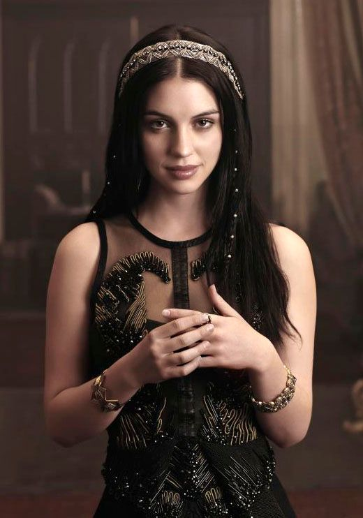 Reign Interview: Adelaide Kane Talks Duty and Loyalty ...
