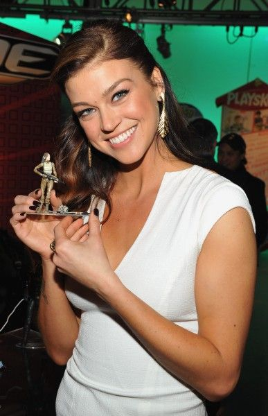 adrianne-palicki-gi-joe-2-retaliation-toy-fair