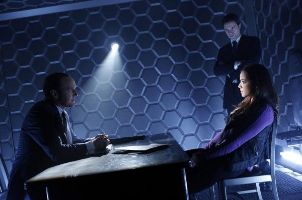 agents-of-shield-clark-gregg-brett-dalton-chloe-bennet