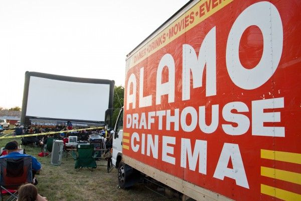 alamo-drafthouse-rolling-roadshow-the-texas-chainsaw-massacre-image