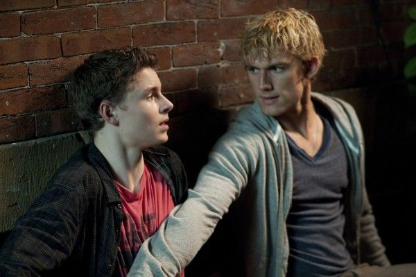 alex-pettyfer-callan-mcauliffe-i-am-number-four-image