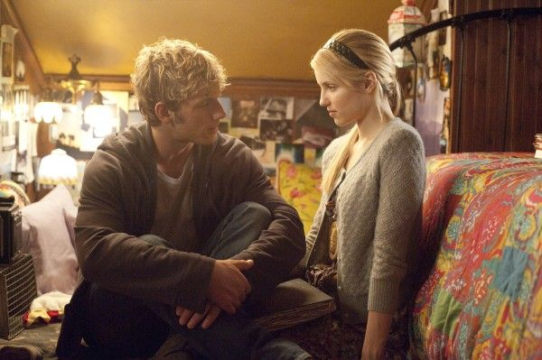 alex-pettyfer-dianna-agron-i-am-number-four-image-4