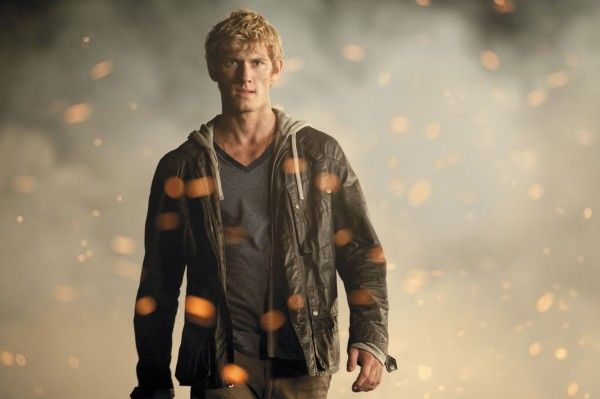 alex-pettyfer-i-am-number-four-image-2