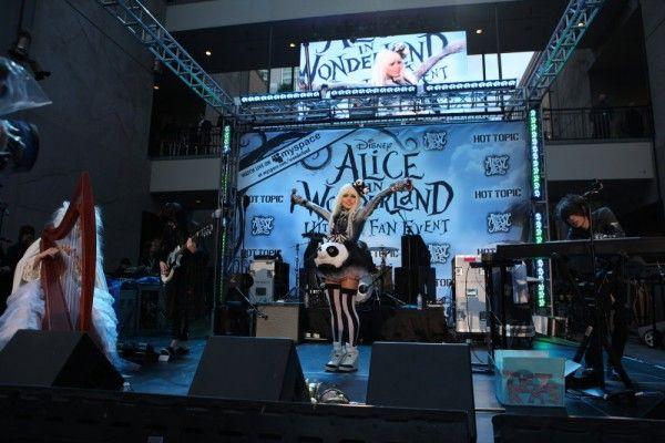 alice-in-wonderland-fan-event-2-2