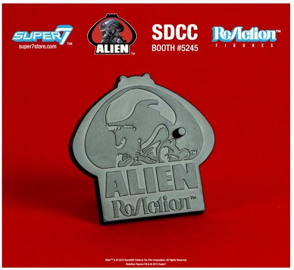 alien-reaction-figures-super-7-sdcc-exclusive-base-1