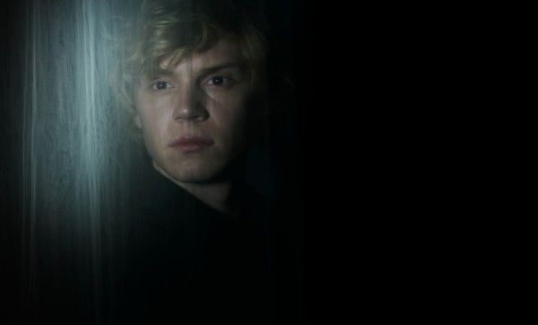 american-horror-story-coven-evan-peters