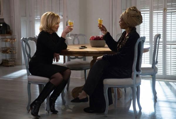 american-horror-story-coven-jessica-lange-angela-bassett-protect-the-coven