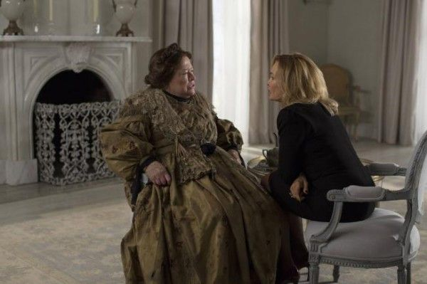 american-horror-story-coven-kathy-bates-jessica-lange