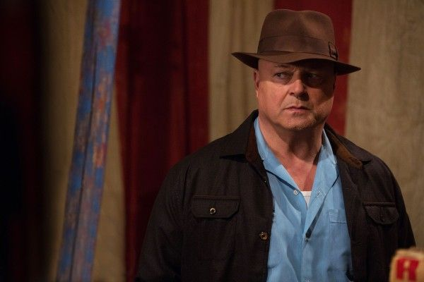 american-horror-story-episode-408-michael-chiklis
