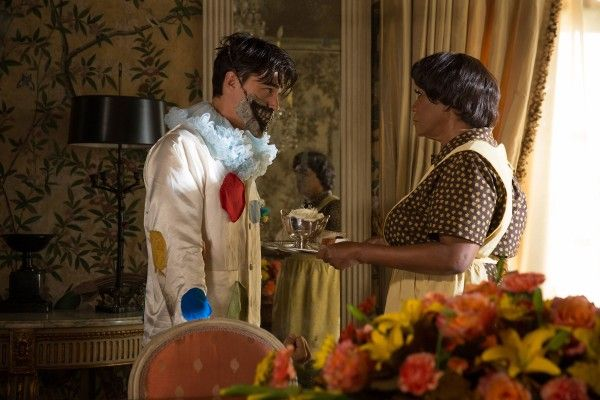 american-horror-story-freak-show-episode-403-finn-wittrock-patti-labelle