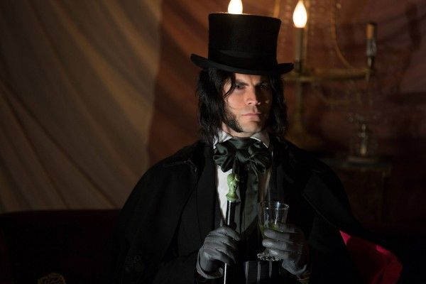 american-horror-story-freak-show-episode-403-wes-bentley