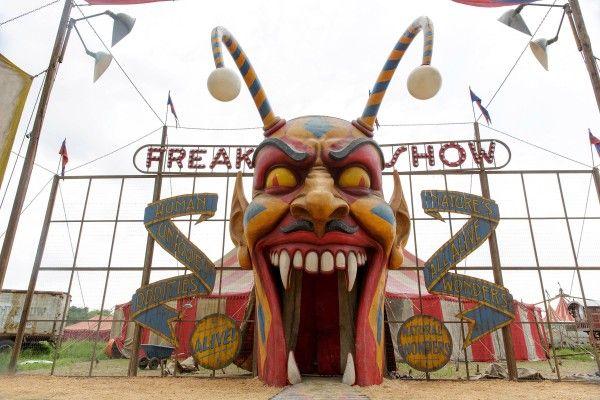american-horror-story-freak-show-image