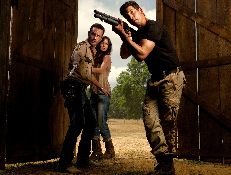 The Walking Dead: THE WALKING DEAD Season Two Photo Gallery And Sneak Peek