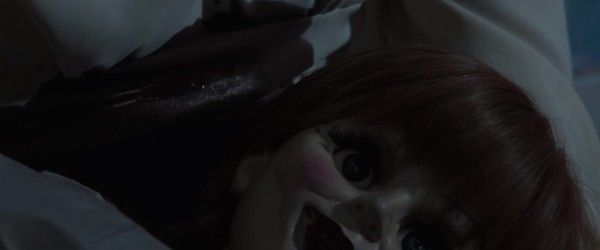annabelle-teaser-trailer-close