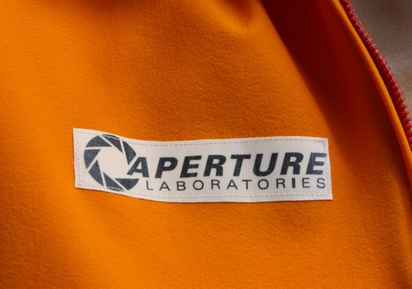 aperture-logo-chest-big