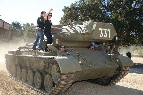 arnold-schwarzenegger-tank-rides