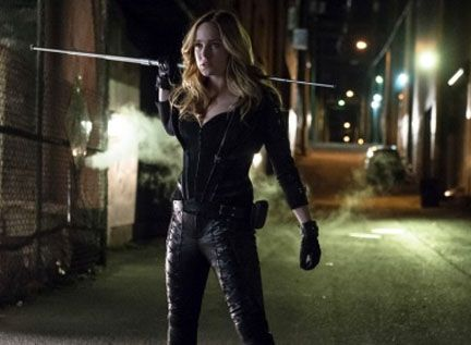arrow-caity-lotz-2