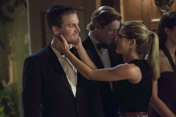 arrow-crucible-stephen-amell-emily-bett-rickards