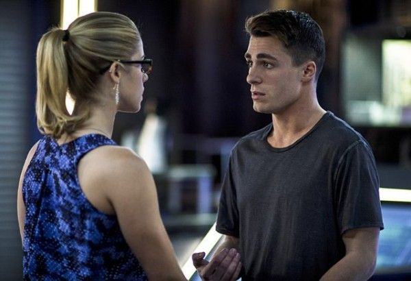 arrow-guilty-emily-bett-rickards-colton-haynes
