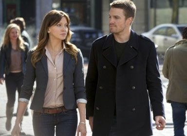 arrow-stephen-amell-katie-cassidy