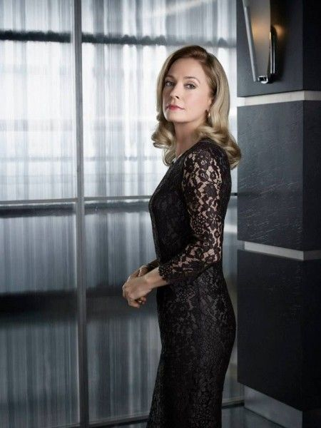 arrow-susanna-thompson-5