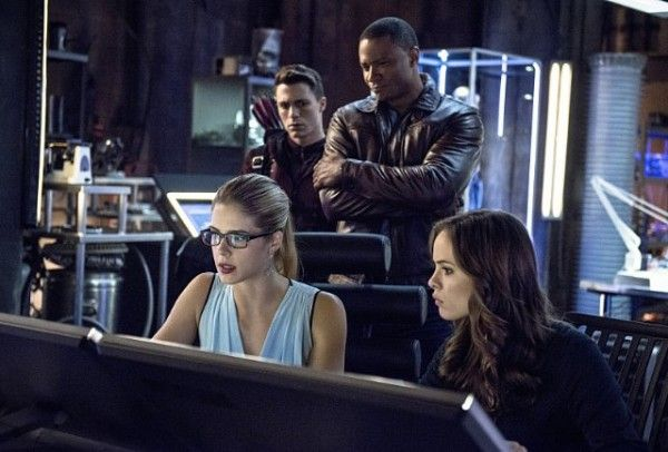 arrow-the-brave-and-the-bold-emily-bett-rickards-colton-haynes-david-ramsey-danielle-panabaker