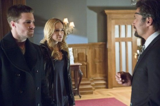 arrow-the-promise-stephen-amell-caity-lotz-manu-bennett