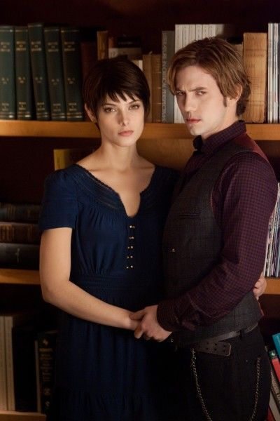 ashley-greene-jackson-rathbone-twilight-breaking-dawn-part-2