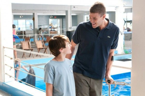 austin-stowell-dolphin-tale-image-3