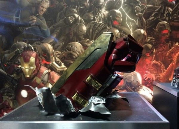 avengers-age-of-ultron-hulkbuster-prop