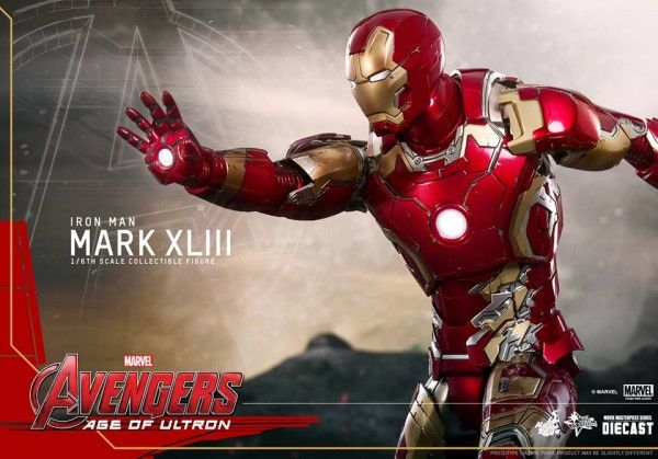 avengers-age-of-ultron-iron-man-suit-hot-toys-14