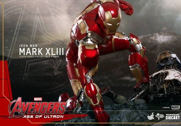 avengers-age-of-ultron-iron-man-suit-hot-toys