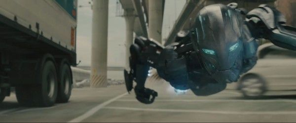 avengers-age-of-ultron-trailer-2-screengrab-13