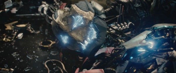 avengers-age-of-ultron-trailer-2-screengrab-4