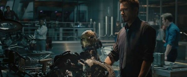 avengers-age-of-ultron-trailer-2-screengrab-9