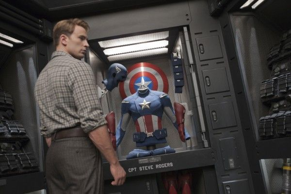 avengers-movie-image-chris-evans-01