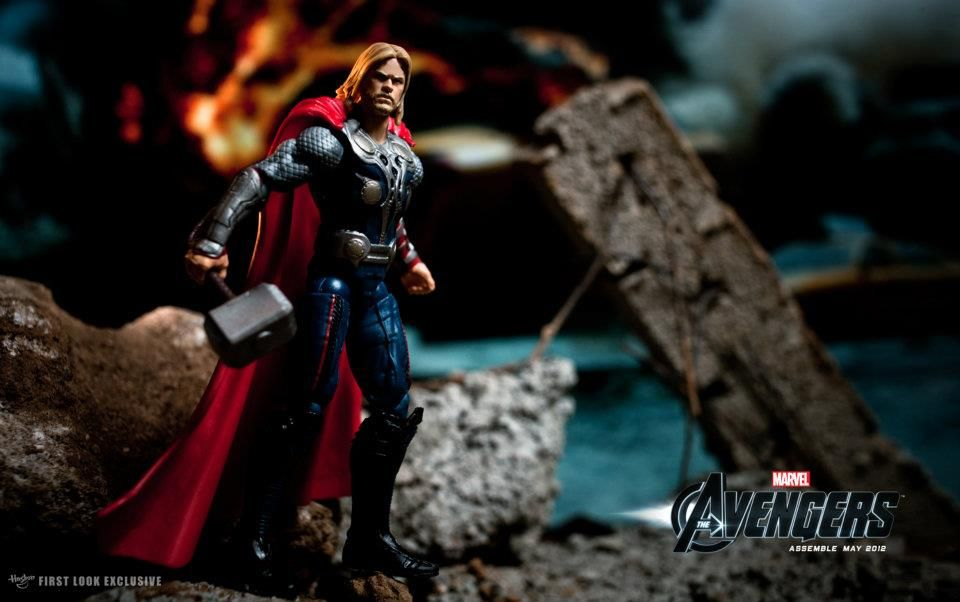 THE AVENGERS Toy Images Featuring Hulk Iron Man And Captain