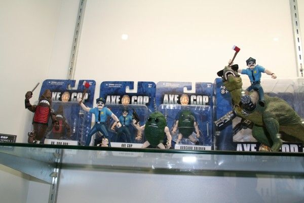 axe-cop-toy-image-mezco (2)