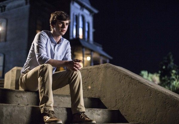 bates-motel-season-2-freddie-highmore