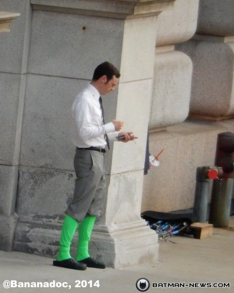 batman-v-superman-scoot-mcnairy-the-flash-set-photo