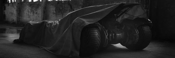 batman-vs-superman-batmobile