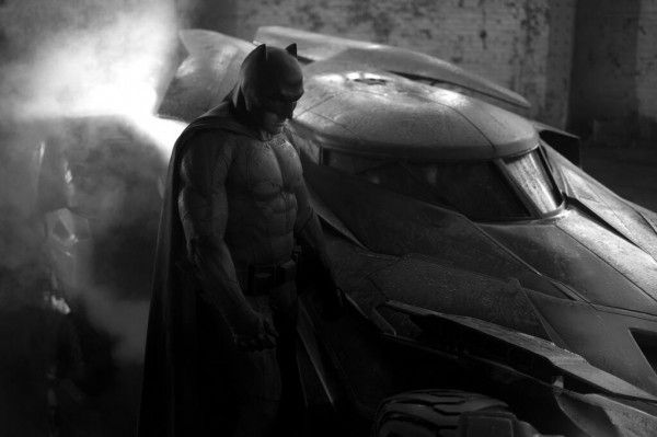 batman-v-superman-ben-affleck-batmobile