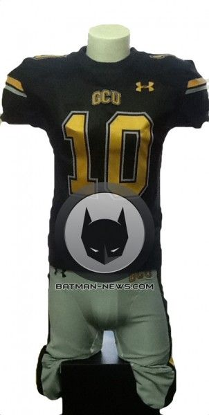 batman-vs-superman-football-jersey