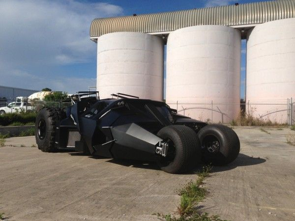 batmobile-tumbler-replica