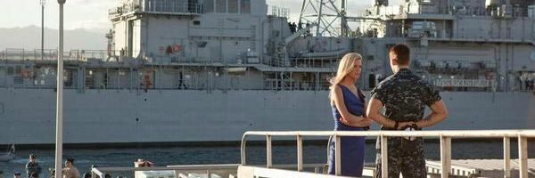 battleship-brooklyn-decker-taylor-kitsch-slice
