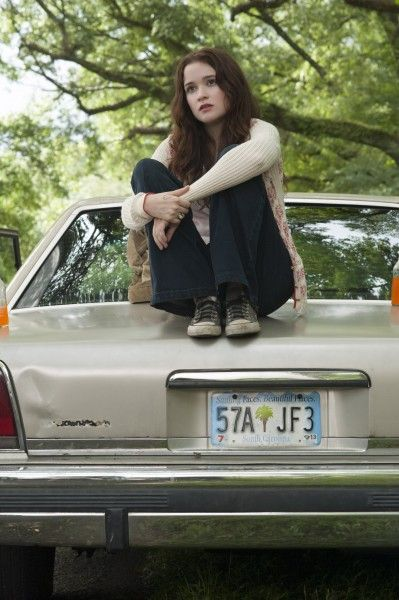 beautiful-creatures-image-alice-englert