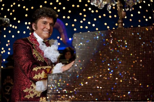 behind-the-candelabra-michael-douglas